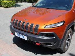 Jeep自由光3.2长期测试(1)车内空间体验