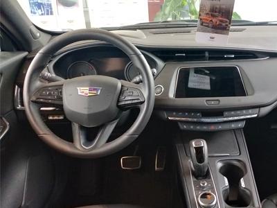 凯迪拉克XT4 2018款 28T 两驱领先型